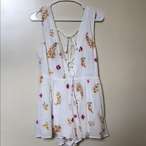 Urban Outfitters NWT romper Size 2.